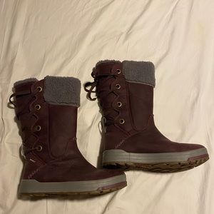 NWOT Keen Snowmass High Boots Lace Up Back